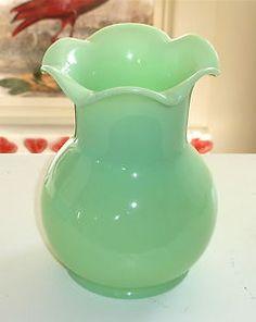 McKee Jadite Jadeite Hourglass Form Ruffled Bud Vase Jade-ite Depression Glass