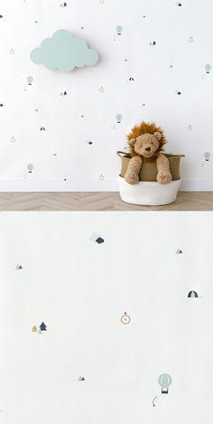 Papel pintado Trip | ¡Deja volar la imaginación de los más peques de la casa!  El papel pintado Trip es un modelo que te permitirá soñar, viajar y disfrutar de los ratos en familia. Es perfecto para decorar las paredes de los dormitorios infantiles y crear un ambiente de cuento.  * Precio por unidad de rollo.  Medidas del rollo: 53 cm x 1000 cm  #kenayhome #home #papel #pintado #wallpaper #trip #dormitorio #habitación #infantil #kids #decoración #pared #hogar #menta #mint