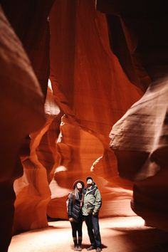 Couples That Adventure Together | Antelope Canyon Tours | Upper Antelope Canyon | Page, Arizona | Arizona Travel Guide | elanaloo.com