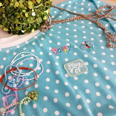#summermood #likeagirl #puntiky #satymmstudio #puntikatesaty #tyrkysovesaty #nasivky #naramky #flitrovakabelka #dotsdress #dress #glitterclutch #bracelets #dressbymmstudio #turquoisedress #millefioriglass #millefioriheart #pendants #millefiorivenice