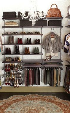 I need a chandelier in my closet! http://rstyle.me/n/eekbtnyg6