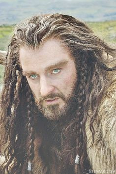 Ooh, the eyes of Thorin Oakenshield....  (Richard Armitage)