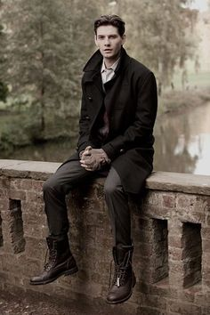 Ben Barnes, the clothes and hair