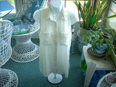 Women's Blouse H&M Divided Sheer Cream Sleevless Pre Owned Top Sz 6 #HM #ButtonDownShirt #Casual