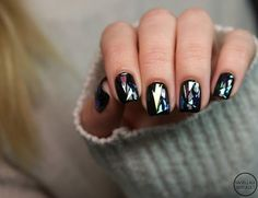 Black Shattered Glass - These Holographic Nails Will Give You Major Nail Envy - Photos
