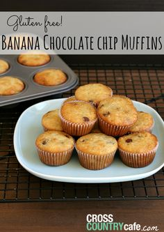 Gluten-free Banana Chocolate Chip Mini-Muffins - My kids ate these up super fast! Gluten Free Recipes For Breakfast, Gluten Free Breakfasts, Tea Recipes, Coffee Recipes, Healthy Recipes, Gluten Free Coffee Cake, Gluten Free Donuts, Gluten Free Banana, Mini Chocolate Chip Muffins