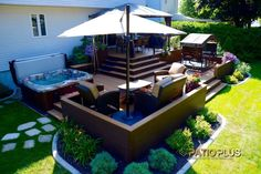 Patio et Spa Patio Plus Small Backyard Decks, Backyard Plan, Pool Decks, Hot Tub Backyard, Hot Tub Garden, Hot Tub Deck, Backyard Pools, Pool Landscaping, Outside Patio