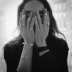 Cool rings // Source : forthosewhocravefashion