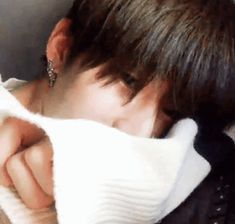 Discovered by RaV. Find images and videos about gif and seungwoo on We Heart It - the app to get lost in what you love. Twitter Video, Boyfriend Material, K Idols, Cute Wallpapers, Animated Gif, Love Story, Find Image, Actors & Actresses, Rapper