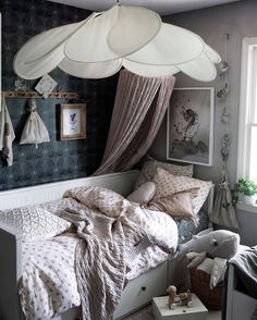 This kidsroom is one of our favourites 🙌🏻💞✨ Such a lovely combination with soft tones and patterns! Thank you for the tag! College Room, Baby Room Design, Big Girl Rooms, Kidsroom, Kid Beds, Home Decor Inspiration, Girls Bedroom, Fresh Delivery, Room Decor