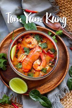 Tom Yum Kung, Tom Yum Recipe & Video - Seonkyoung Longest Soup Recipes, Fish Recipes, Easy Asian Recipes, Ethnic Recipes, Chinese Recipes, Tom Yum Noodles, Tom Yum Soup, Tom Yum Noodle Soup, Cooking