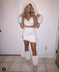 Eskimo Kylie Jenner Snow Princess Halloween Costume Made By Nani Eskimo Halloween Costume, Hallowen Costume, Halloween Costumes For Girls, Adult Costumes, Costumes For Women, Women Halloween, Halloween College, Ice Princess Costume, Ice Queen Costume