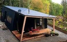 Wonderful Container Cabin Design Ideas That Surrounded With Nature 27 Cabin Design, Tiny House Design, Shed Plans, House Plans, Barn Plans, Garage Plans, Container Cabin, Tiny House Cabin, Cabins In The Woods