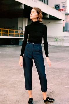 Casual in culottes | For more style inspiration visit 40plusstyle.com