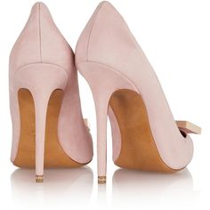 Acne Studios Alivia suede pumps (€220) ❤ liked on Polyvore featuring shoes, pumps, suede shoes, suede pumps, pink suede shoes, slip-on shoes and pink shoes