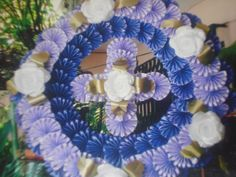 corona Frango Chicken, Funeral Flowers, Black Trim, Yard Landscaping, My Room, Art Lessons, Spring Summer Fashion, Bedroom Decor, Wreaths