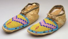 Beaded Moccasins, Moccasins Mens, Blackfoot Indian, Canadian Culture, Beadwork, Beading, White Clay, Native American Art, First Nations