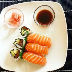 Chi ha Voglia di #Sushi oggi? Tagga la Persona più #sushiaddicted di #Milano che conosci al resto ci pensiamo Noi! Link in Bio  #sushitime #sushimaster #sushilovers #sushimilano #firstpost #milanocity #milanodavedere #salmon #sushi #dinner #instafood #foodie #foodporn #foodstagram #instadaily #motiviert #lecker #sushitime #foodlover #foodpics #hunger #feierabend #healthyfood #fitness #fitfam #fit #foodie #gesundessen #sushilovers  Credit: @missromynails by sushi_masterchef