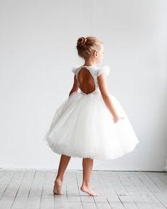 Elegant flower girl dress with air wings, tulle dress, girls dresses, first communion dress - Elegant Dresses Classy, Elegant Dresses For Women, Pretty Dresses, Little Girl Dresses, Girls Dresses, Flower Girl Dresses, Sexy Dresses, Summer Dresses, Formal Dresses