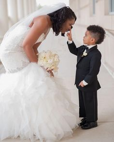 Precious! #munaluchibride | #Repost @trenique_artistry ・・・ Adorable @treniqueartistry #shotbytrene #munaluchi #munaluchibride #weddingthings #inlove #cute #munamommy #adorable