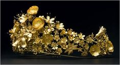 A closeup view of The Naasut Tiara given to Queen Margrethe by the country of Greenland.