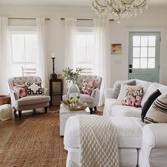 Best Shabby Chic Living Room Decor Ideas - Have smart thoughts when you want to decorate a room cheaply and nicely. Some people believe that redecorating a living room will involve a big budget. French Country Living Room, Shabby Chic Living Room, Home Living Room, French Country Decorating, Living Room Designs, Living Room Furniture, Living Room Decor, Country French, Modern Furniture