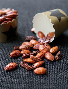 Amandes et noix de pécan caramélisées au four