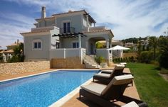 Excellent Villa 3 + 1 bedrooms, in The Crest, Loulé, Almacil, at Algarve.