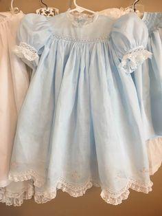 Little Dresses, Little Girl Dresses, Cute Dresses, Girls Dresses, Smocking Baby, Smocked Baby Clothes, Vintage Baby Dresses, Baby Dress Design, Baby Dress Patterns