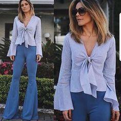 Blusa Yara e calça flare azul jeans. Cut Up Shirts, Tie Dye Shirts, One Direction Shirts, Matching Couple Shirts, Party Shirts, White Pants, Flare Jeans, Ideias Fashion, Street Style