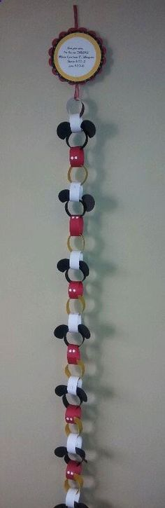Countdown to Disney Calendar for vacation trip to Disney World or Disneyland from Get Away Today. Paper chain with alternated Mickey Mouse themed rings. Each ring has a Disney themed idea you can do as a family that day to get kids excited for their trip. I need to remember this for next time!! Or could just use it for party garland!!!! http://@jen Stotz @Heather Creswell Pfister @Annie Compean Suh Chang