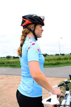 62 Best Davanti Bikewear images | Cycling outfit, Dutch