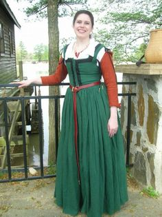 1580's Working-Class Dress based on the paintings of Vincenzo Campi, by Laura Parker (silverstah on Flikr).