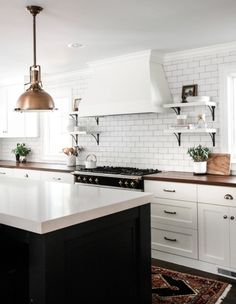 Kitchen Countertop Trends 2018 Unique Exciting Kitchen Design Trends for 2018 Lindsay Hill Interiors Kitchen Interior, New Kitchen, Kitchen Dining, Kitchen Decor, Design Kitchen, Brass Kitchen, French Stove, Hill Interiors, Trends 2018
