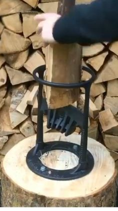 Metal Projects, Outdoor Projects, Home Projects, Outdoor Decor, Fire Pit Backyard, Backyard Patio, Firewood Storage, Cool Gadgets To Buy, Cool Inventions