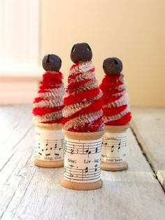 Candy Cane Christmas Trees-Recreate with spools, sheet music, pipe cleaners and jingle bells. Candy Cane Christmas Tree, Christmas Love, Christmas Crafts For Kids, Diy Christmas Ornaments, Christmas Treats, Christmas Holidays, Christmas Decorations, Candy Cane Story, Candy Cane Background