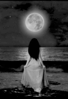 Are you also fascinated by the moon? Does it make your heart expand, does it touch you in the deepest corners of your soul, though consciously you don't really seem to know why?