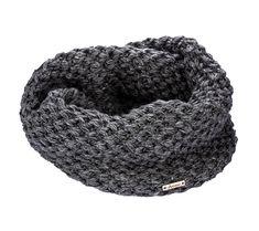 Zimní pletená šála (tunel) | modino.cz #modino_style #style #fashion #vanoce #darek #prokamaradku Crochet, Fashion, Moda, Fashion Styles, Ganchillo, Crocheting, Fashion Illustrations, Knits, Chrochet