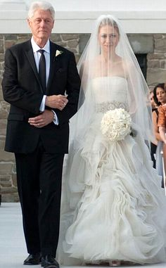 Chelsea Clinton from Famous Brides in Vera Wang Wedding Gowns  Another member of a political family, Chelsea Clinton, stunned in this belted, silk organzaVera Wang creation.