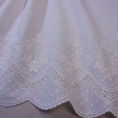 1 Yd Embroidery Scalloped Cotton Eyelet Lace Fabric Beige 29 cm Wide F/S