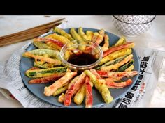 Tempura de verduras. Receta japonesa | Cuuking! Recetas de cocina Fresh Rolls, Carrots, Sushi, Vegetables, Ethnic Recipes, Kit, Food, Alga Wakame, Batman