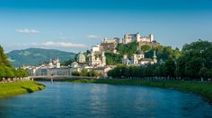 Is Salzburg on your travel bucket list? Salzburg is one of the most popular cities that you can find in Austria and the continent of Europe Day Trips From Vienna, Site Classé, Chateau Medieval, Visit New York City, Hotels, Most Romantic Places, Beautiful Places, Austria Travel, Excursion