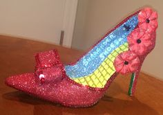 Confessions of a glitter addict: Ruby Slippers!
