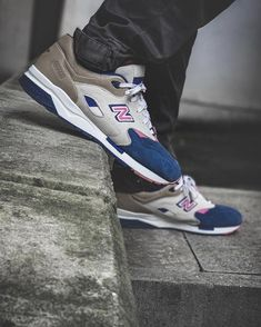 Sneakers: New Balance 1600