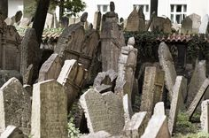 Right Riverbank Prague Jewish Cemetery Synagogue Architecture, Prague Guide, Jewish Ghetto, Cemetery Statues, Visit Prague, 12 Tribes Of Israel, Jewish Museum, Old Cemeteries, Prague