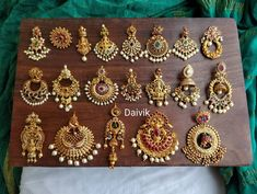 Top Five Brands To Shop Bold Traditional Earrings For Weddings! Gold Jhumka Earrings, Indian Jewelry Earrings, Indian Jewelry Sets, Jewelry Design Earrings, Gold Earrings Designs, Antique Earrings, Jhumka Designs, India Jewelry, Women's Jewelry