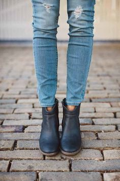 Ankle boots / skinny jeans.