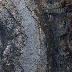 Cliff near Pen-y-Graig Pembrokeshire. #ukcoastwalk Photo: Quintin Lake www.theperimeter.uk