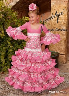 guadalupe moda - TorreFlamenca | trajes, calzado y complementos de flamenca Spanish Costume, Spanish Dress, Fashion Photo, Kids Fashion, Fair Outfits, Cute Dresses, Flower Girl Dresses, Flamenco Skirt, Skirts For Kids