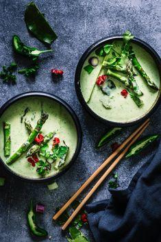 Home - Tinastausendschön Beef Recipes, Vegan Recipes, Thai Curry, Easy Vegetarian Dinner, Seasonal Food, International Recipes, Creative Food, Healthy Dinner Recipes, Vegetarian Food